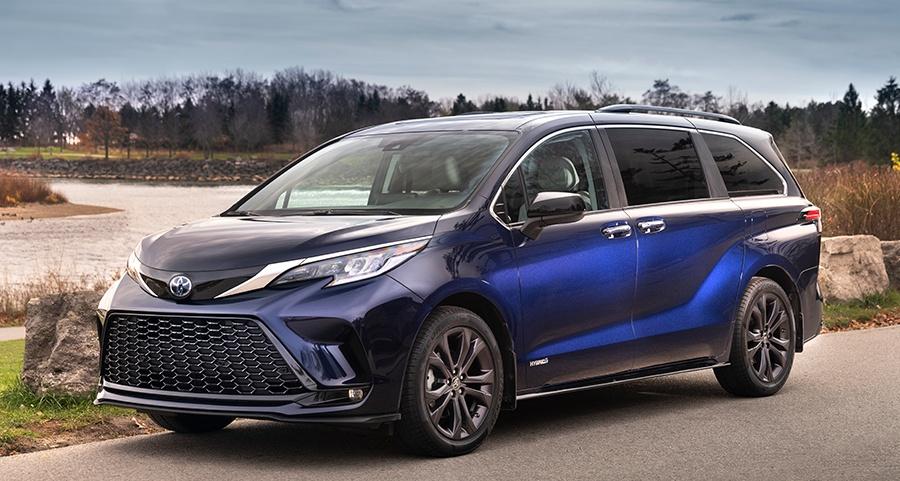 2021 Toyota Sienna LE Hybrid